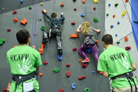Poughkeepsie, NY: Let our professional instructors take you climbing!