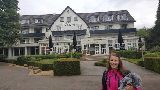Hotel De Bilderberg - Trattoria Artusi : Voorzijde van het hotel