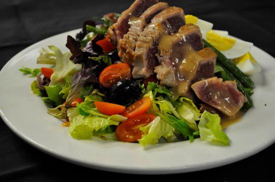 Hawley, PA: Ahi Tuna Nicoise Salad