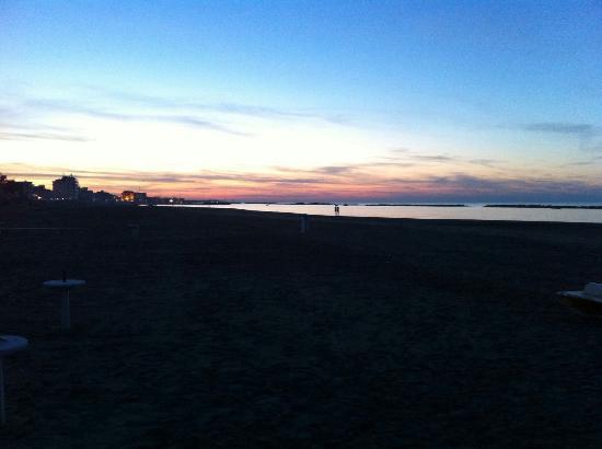 Sun Beach Rimini: IMG-20160524-WA0008_large.jpg
