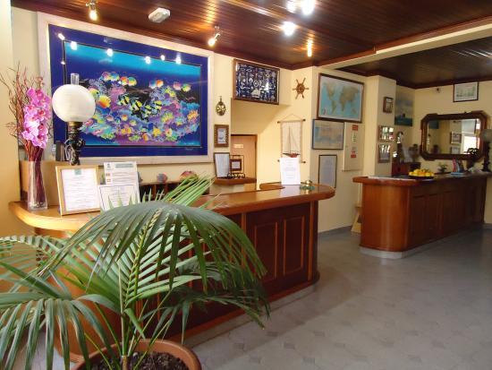 聖洛克濱海飯店