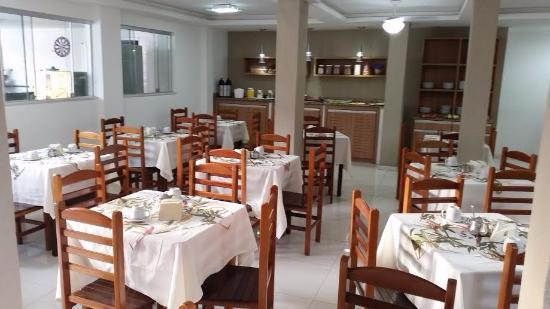 Pousada Marissol : vista do salão café da manhã