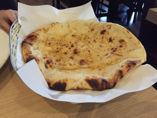 Deeva Restaurant: Cheese nan