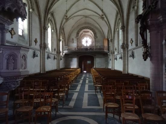 Arromanches-les-Bains, فرنسا:  Eglise St Pierre