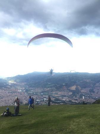 EasyParapente Montreux Paragliding Tandem Flight Center : photo1.jpg