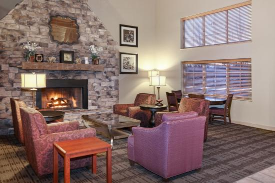 AmericInn Lodge & Suites Saugatuck - Douglas