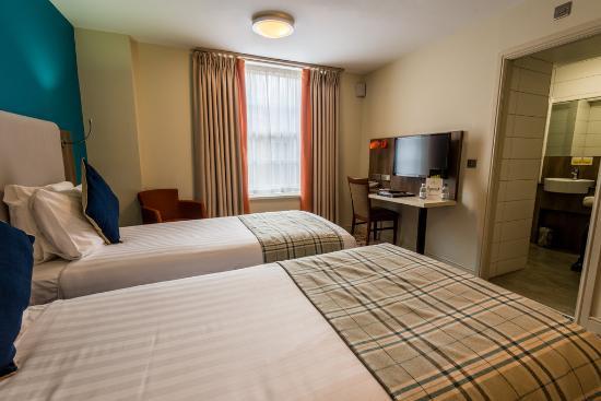 Cairn Hotel Edinburgh Parking