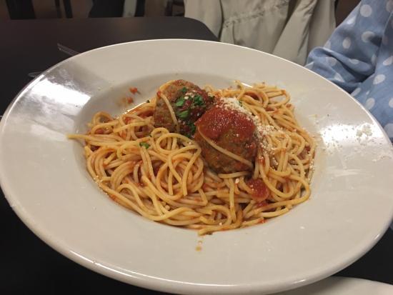Floyd, VA: Spagetti and Meatballs