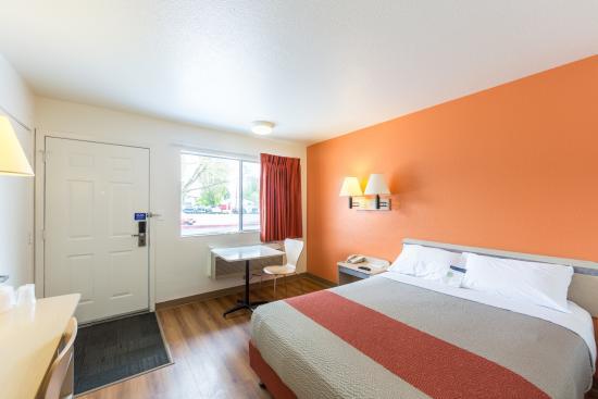 Motel 6 Klamath Falls: Guest Room