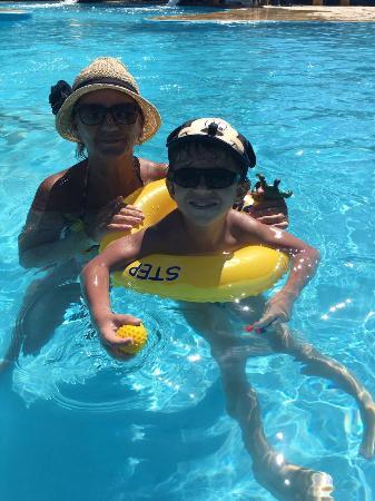 Buzios Arambare Hotel : Relaxando na piscina do hotel