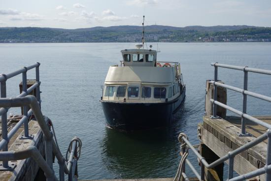 Ferry arriving at Kilcreggan