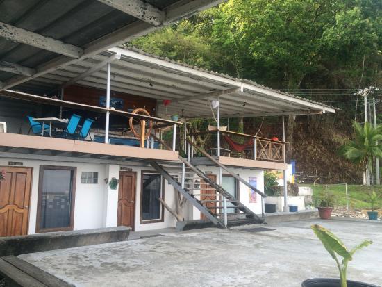 Octopus Garden Hotel & Dive Resort: Deck
