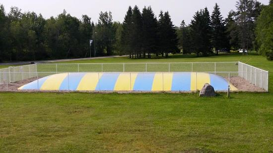 Campers City RV Resort: Bouncy Pillow