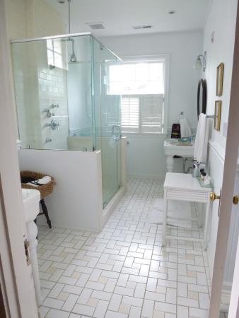 ذا كليفتون إن: Martha Washington bathroom