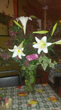 Magnolia, MS: Flowers from Mercedes garden just for our anniversary.