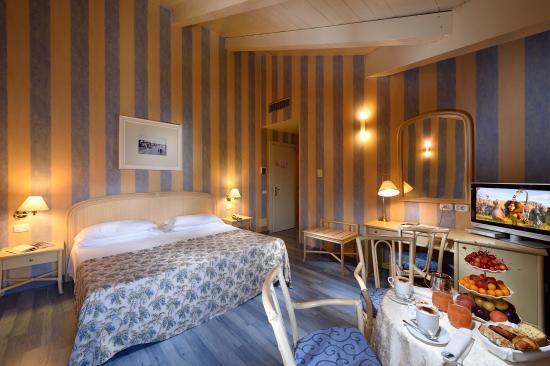 Grande Albergo Ausonia & Hungaria: Deluxe Room Modern Style