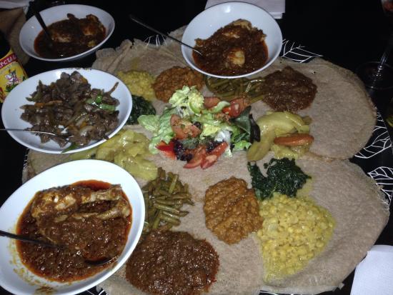 Injera : meat platter and veggies