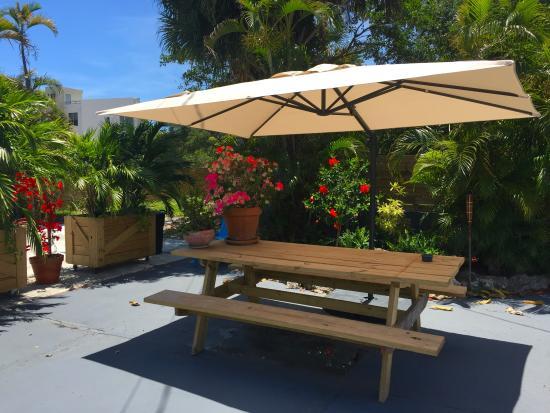 Oasis Hotel: Lounge Area