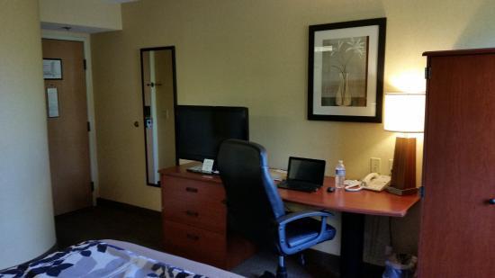 Sleep Inn : A great space to do work.
