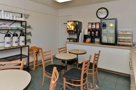 Quality Inn: Breakfast 2