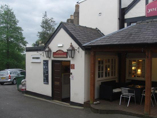 South Wingfield, UK: Another view of the pub.