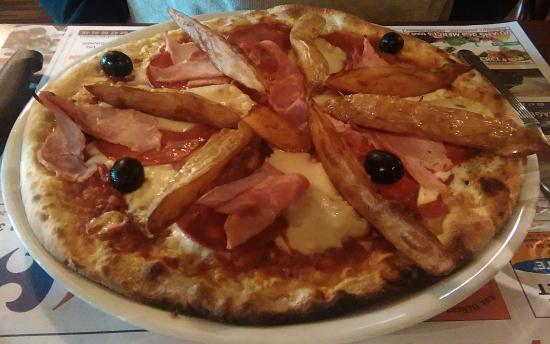 Centre, Fransa: Pizza super garnie