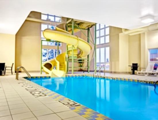 Super 8 St-Jerome: Indoor pool