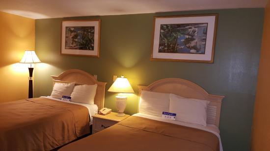 Enterprise, AL: Standard Double Bed Non - Smoking Room