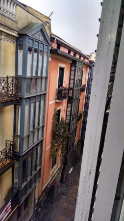 Bilbao Jardines Hotel: View from hotel, street-side