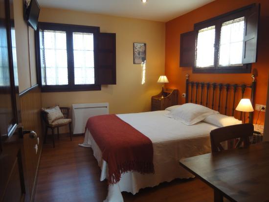 Apartamentos Rurales Villa del Sain: Habitación matrimonial