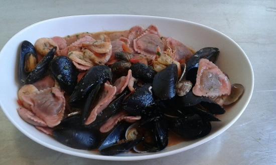 """Cogoleto, إيطاليا: Ravioli """" ricotta - radicchio - zenzero """" al profumo di mare...."""