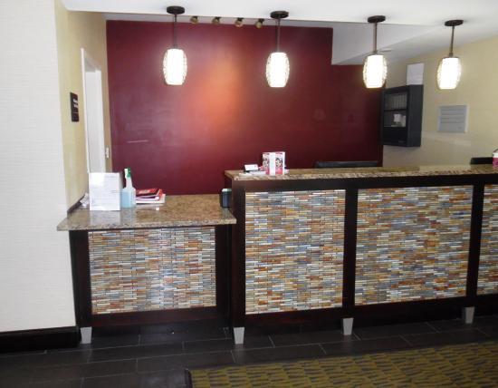 Red Roof Inn Ames: Lobby