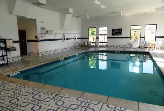 Red Roof Inn Ames: Pool