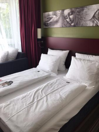 Leonardo Hotel Residence Munich Bed And Extra Pillows