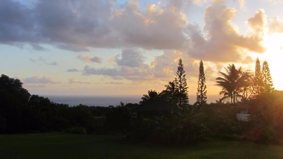 Maui Ocean Breezes: Lever de soleil depuis la terrasse