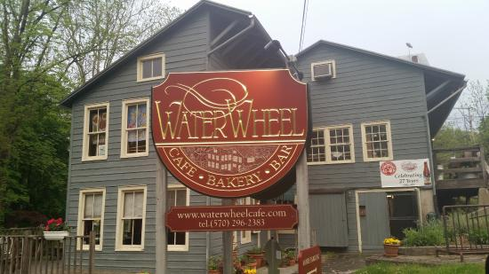 Waterwheel Cafe, Bakery & Bar : Waterwheel Cafe view from front