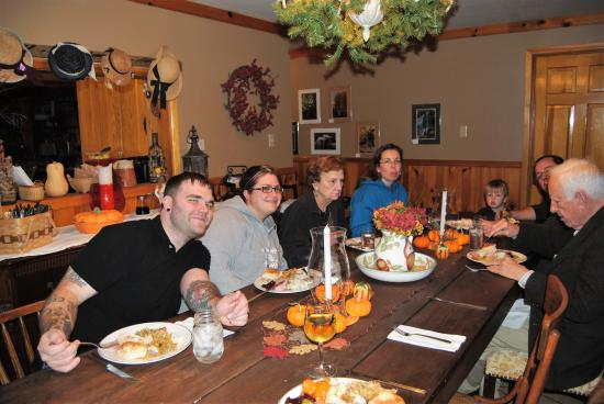 Floyd, Wirginia: Country Hospitality begins with a country breakfast