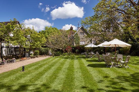 Cuckfield, UK: Side Garden