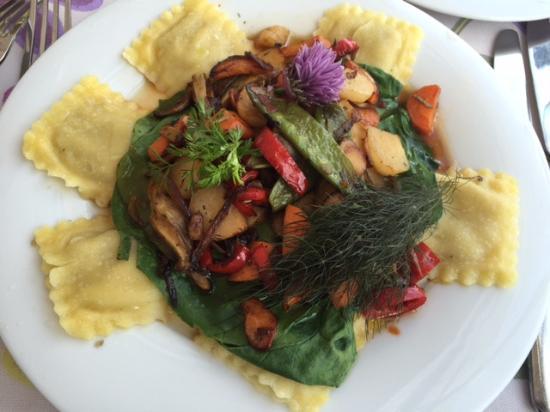 Die Riesen-Tortelloni mit mediterranem Gemüse