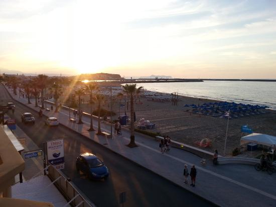 Hotel Theo : Solnedgang over Fortezzaen