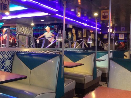 Schaumburg, إلينوي: Fun Diner Vibe!