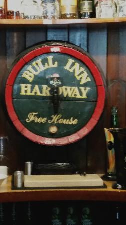 Bruton, UK: Tastfully decorated bar