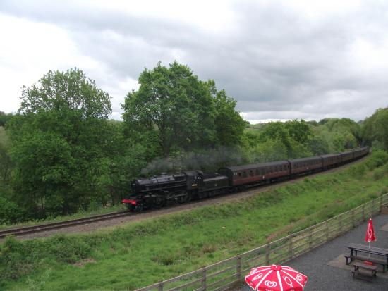Highley, UK: Steaming by towards Bridgnorth