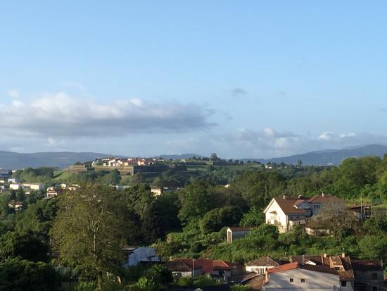 Tui, España: Great views of Portugal from our bedroom.