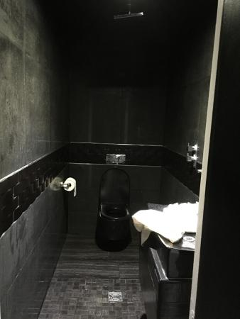 the bathroom even the toilet paper got wet when we used the shower rh tripadvisor ie