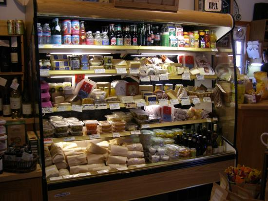 Amador City, Californie : Cheeses wrapped sandwiches and specialty items