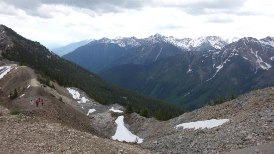 Golden, Canadá: Kicking Horse Mountain Resort - View of Mountains (Facing west - BC)