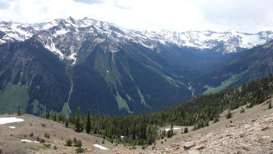 Golden, Canadá: Kicking Horse Mountain Resort - View of the Mountains (Facing west - BC)