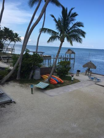 Sands of Islamorada Hotel: The charm of this place! Mercy and Richard, staff keep the rooms, grounds, excellent !