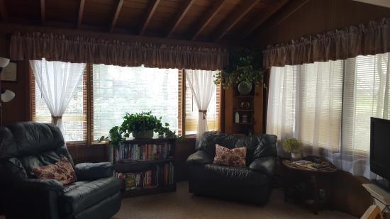 Gibsonia, PA: TV Room